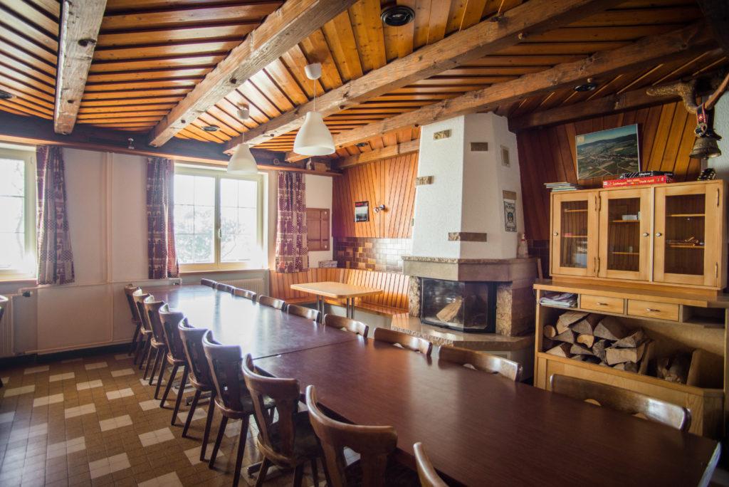 Buvette pâturages salle à manger Vicques Retemberg Jura